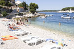 Strand Krzni rat in Hvar
