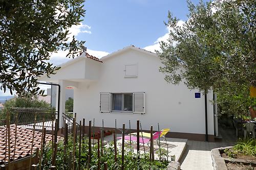 Ferienhaus Toni in Okrug Gornji - Urlaub in Kroatien mit